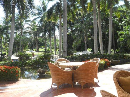 Casa Velas : Sitting area above Resort Pool