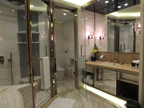 Superb Sheraton Huzhou Hot Spring Resort: Really Nice Bathroom!
