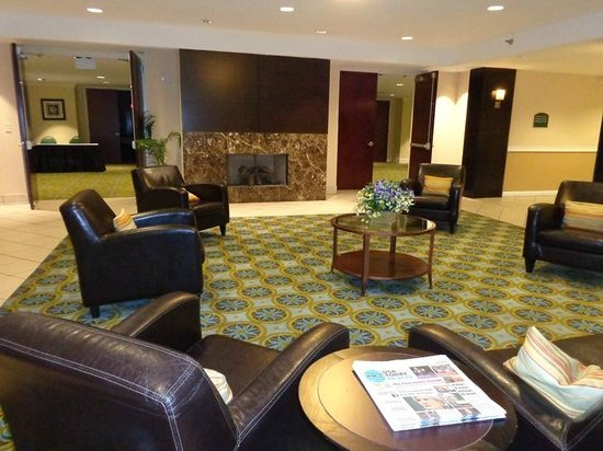 Holiday Inn Atlanta/Roswell: lobby
