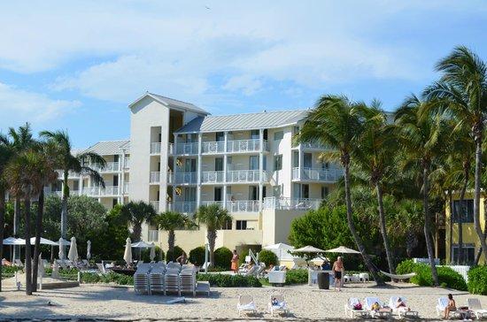 The Reach Key West, A Waldorf Astoria Resort: vista desde la playa del hotel