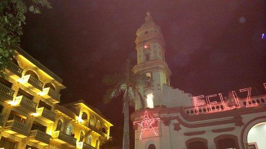 Hotel Colonial: Hotel Bien ubicado pero PESIMO SERVICIO
