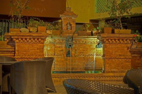 Hotel Siddhi Manakamana: Water Fountain