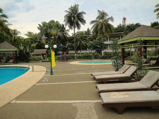 Waterfront Insular Hotel Davao: Pool Side