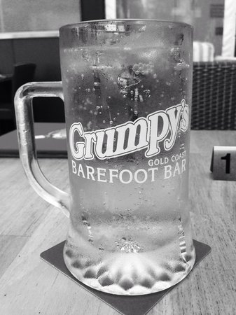 Grumpy's Barefoot Steak, Seafood and Grill Bar: Delicious, refreshing cider