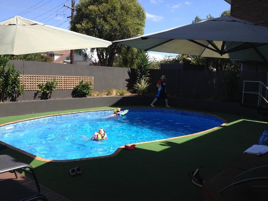 Quality Hotel Bayside Geelong : Really clean and well maintained pool area