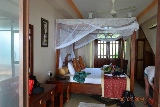 Warahena Beach Hotel : номер