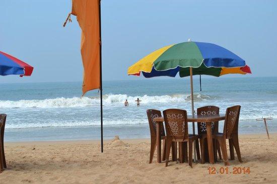 Warahena Beach Hotel: пляж