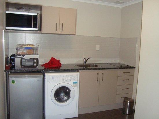 Apollo Hotel Rotorua: kitchen
