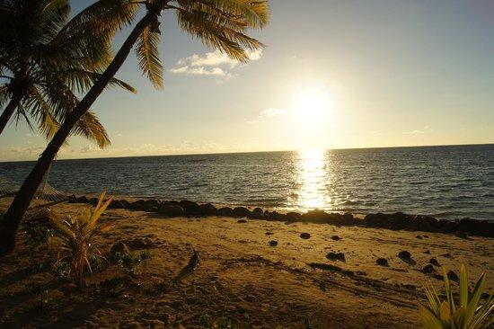 Plantation Island Resort: Sunset from Bure
