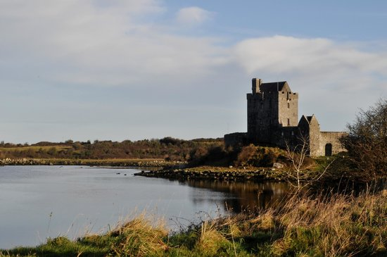 Galway Tour Company : Dunguaire Castle