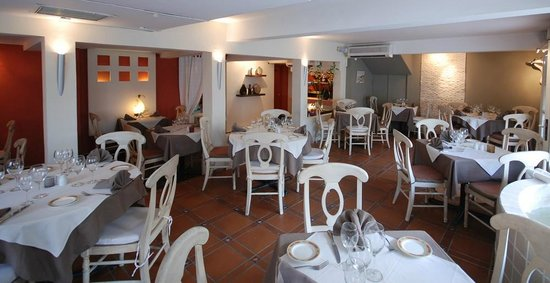 Bistrot Caraibes : Inside the restaurant