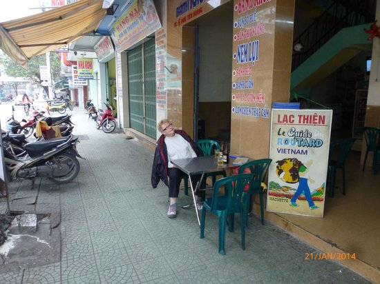 Lac Thien Restaurant : View from the street