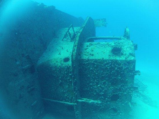 Diving Riviera Maya: Wreck in Cancun