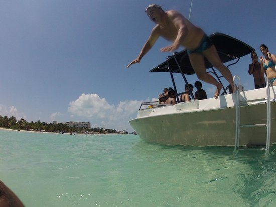 Diving Riviera Maya: Lunch time at Isla Mujeres Beach at the Whaleshark-Tour