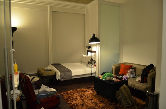 Morrissey Hotel Residences : bed