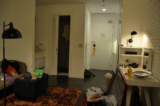 Morrissey Hotel Residences: entrance, shower & toilet room, kitchen, living room
