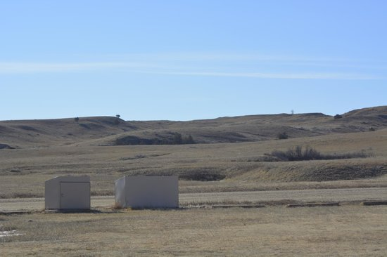 Sage Creek Campground: surrounding area