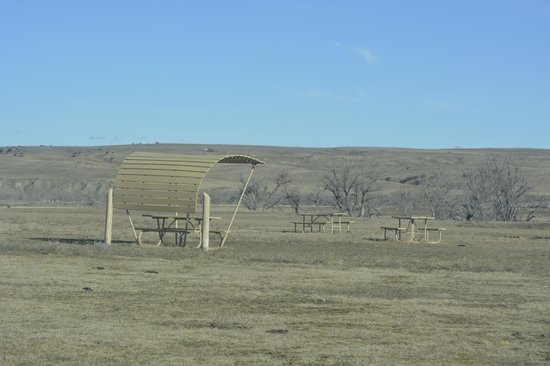 Sage Creek Campground: picnic area face the name ecause of the prevailing NW windsway b