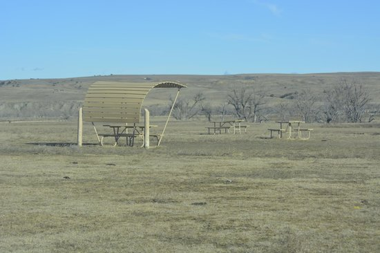 Sage Creek Campground: picnic area