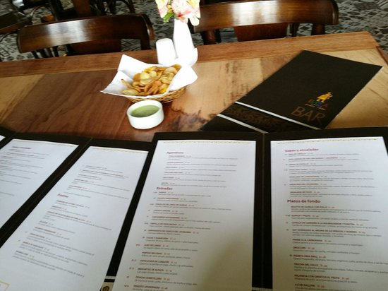 Inka Grill: Menu and Nomnom chips with huacatay <3