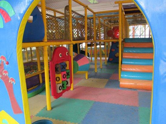 Sun n Sand Holiday Resort: Kiddies Play area