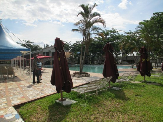 Sun n Sand Holiday Resort: Pool Area