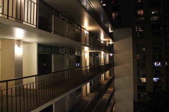 Aqua Waikiki Pearl: At the elevator facing the rooms entrance.