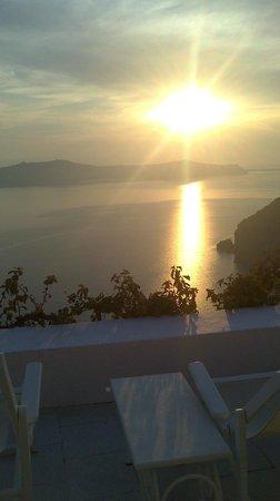 Dana Villas Hotel & Suites: ηλιοβασίλεμα