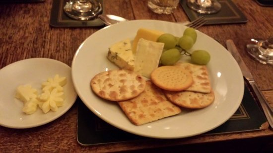 Kilsby, UK: Cheese and biscuits