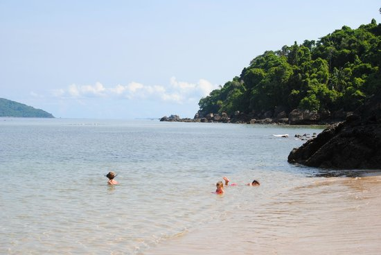 Antoremba - Lodge: Our tranquil private beach and snorkelling spot