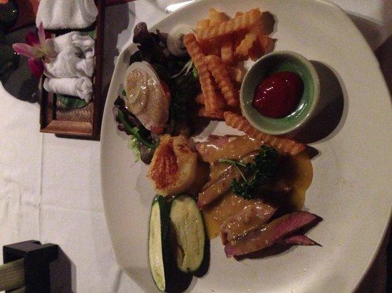 Eat Sense Beach Restaurant Samui: Duck