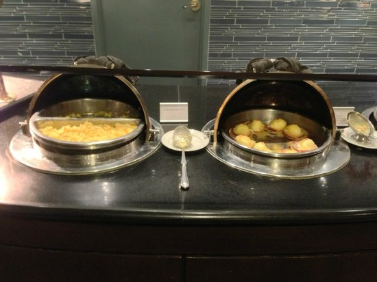 The Westin Bonaventure Hotel & Suites: Breakfast Buffet: Egg Dishes