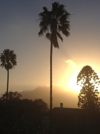 Villa Chapelle Guesthouse: A sunrise to challenge you for the day