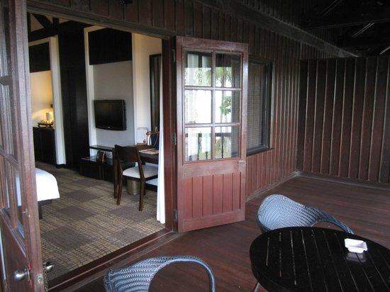 Meritus Pelangi Beach Resort & Spa, Langkawi: Balcony & room