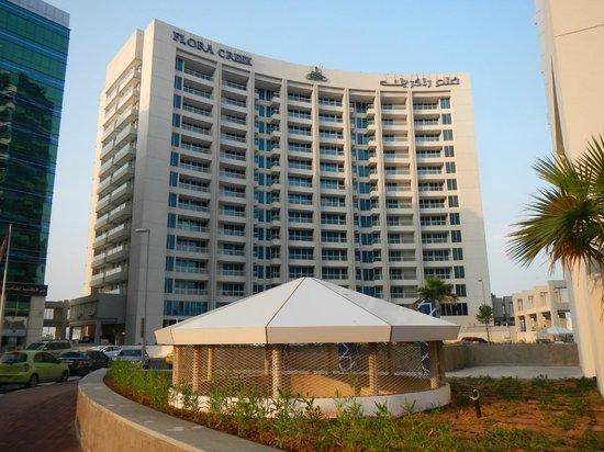 Flora Creek Deluxe Hotel Apartments: Fachada del hotel