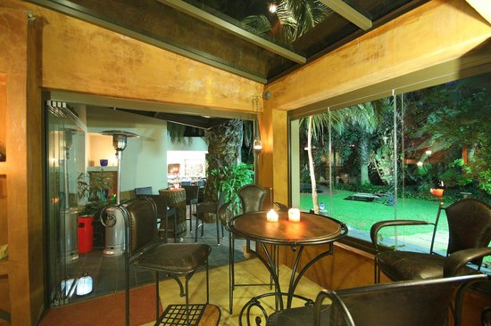 African Rock Hotel : View from the Bar area