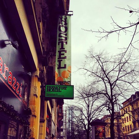 Frankfurt Hostel: Da fuori