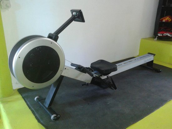 BB Gym: cardio rowing