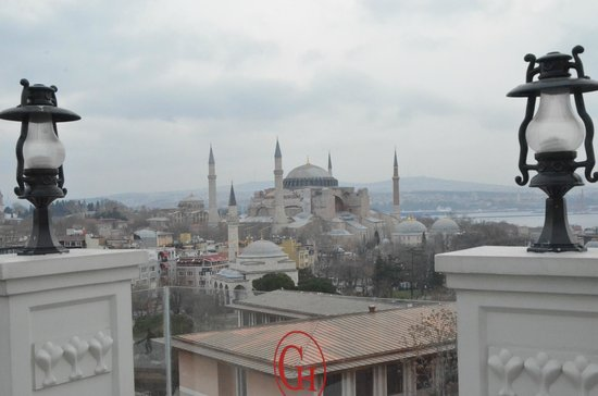 Deluxe Golden Horn Sultanahmet Hotel: Vistas desde la trerraza del comedor
