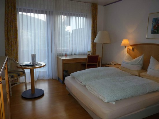 zimmer mit balkon bild von landhotel am schloss olsberg tripadvisor. Black Bedroom Furniture Sets. Home Design Ideas