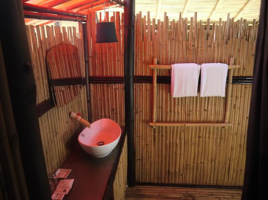 Cocotero Resort The Hidden Village : Bathroom