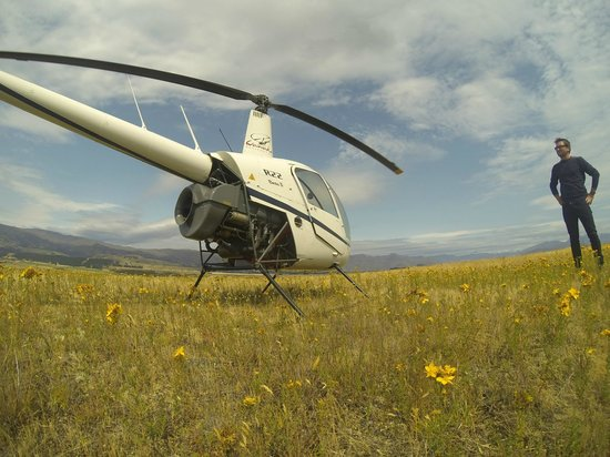 Wanaka Helicopters: R22
