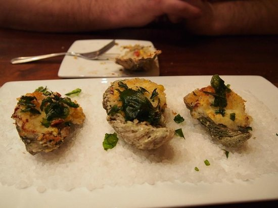 Silver Dollar Bar & Grill: Fork And Knife Oysters