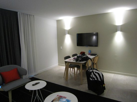 Adina Apartment Hotel Bondi Beach Sydney: One Bedroom apartment - dining room