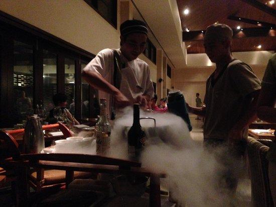 Pullman Danang Beach Resort: Restaurant