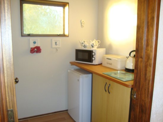 Clear View: Fantail - kitchenette