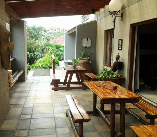 Akidogo Guest House : Patio