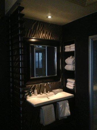 Van der Valk Hotel Houten-Utrecht: Badmeubel