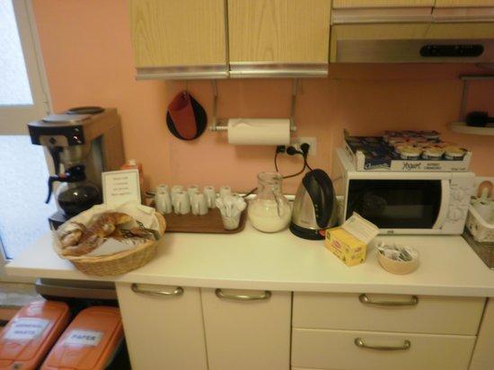 Hostella Female Only: Breakfast (croissants, coffee/milk/juice, yogurt)
