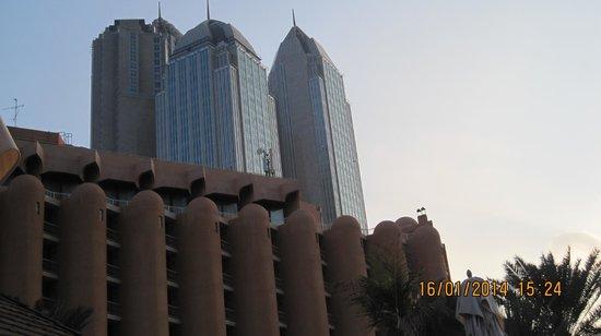 Sheraton Abu Dhabi Hotel & Resort: Hotel en wolkenkrabbers